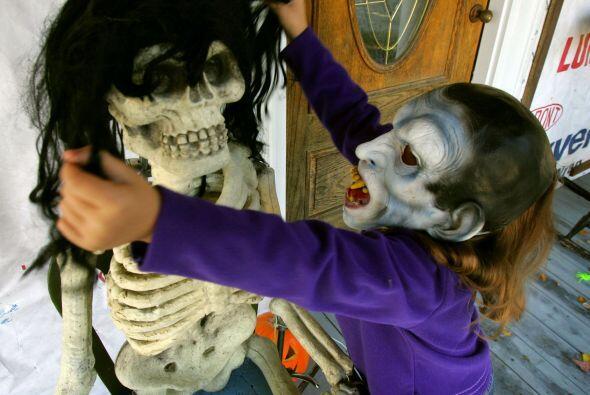 1. Esqueleto: Una de las figuras más representativas de estas fiestas es...