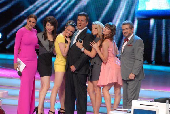 Todos salieron bastante bien en la fotografía. Son un gran equipo...