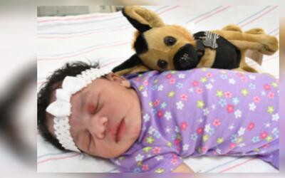 La policía dio a conocer una nueva foto de la bebé abandon...