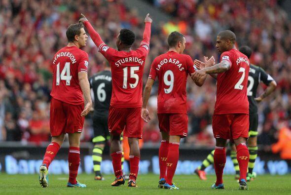 Liverpool sufrió para vencer 1-0 al Stoke City con gol de Daniel Sturrid...
