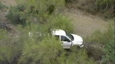 Camioneta abandonada en el desierto