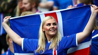 ¡Preciosas! Islandia no solo juega bien, sino que también tiene a las fanáticas más bellas