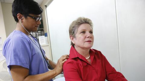 """""""Mi mama izquierda estaba inflamada y sentía un ardor. Mi médico me pidi..."""