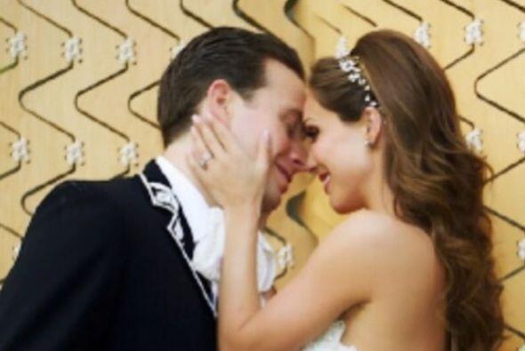 El pasado 2 de mayo Anahí se casó con el gobernador de Chiapas, Manuel V...