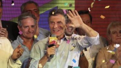 El alcalde de Buenos Aires, MauricioMacri, festeja los resultados elect...