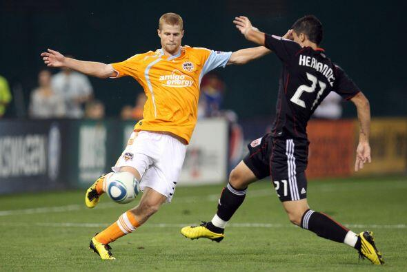 Houston Dynamo aprovechó los errores del United para llevarse el triunfo.