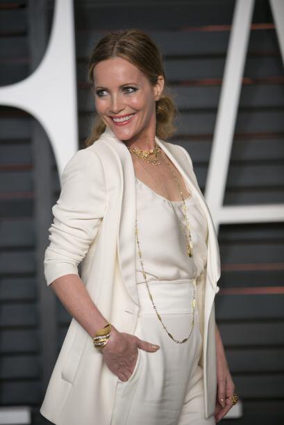 Si tu atuendo es simple y elegante como el de Leslie Mann, puedes buscar...