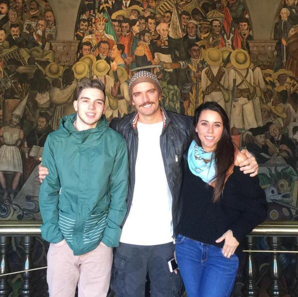 Julián Gil con sus hijos Nicolle y Julián Gil Jr.