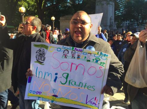 """""""Somos inmigrantes. No nos vamos""""."""