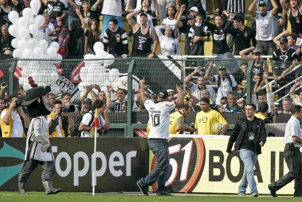 Ayer fue Ronaldo, hoy es Adriano ex jugador del Flamengo, habrá que ver...