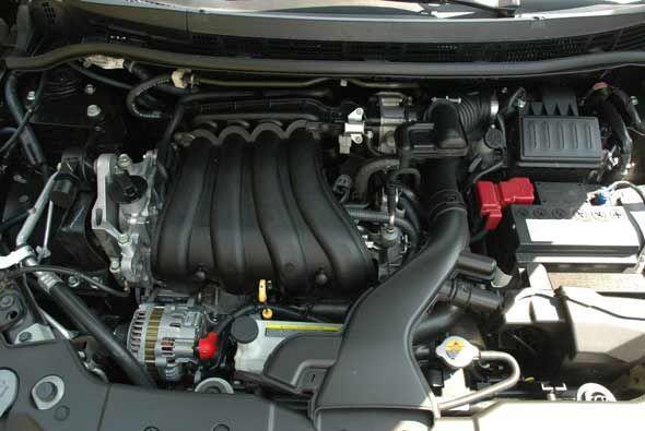 El motor es un cuatro cilindros en línea de 1.8 litros con 120 caballos...