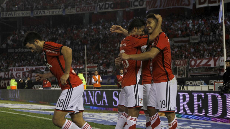 Teo Gutiérrez y Camilo Mayada anotaron para los millonarios.
