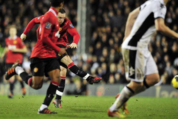 A falta de dos minutos para el final, Wayne Rooney sacó un potente dispa...