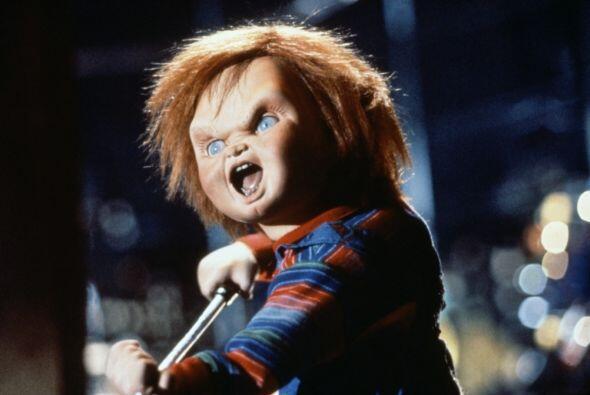 Días más tarde Andy, un pequeño niño, recibe como regalo a Chucky sin sa...