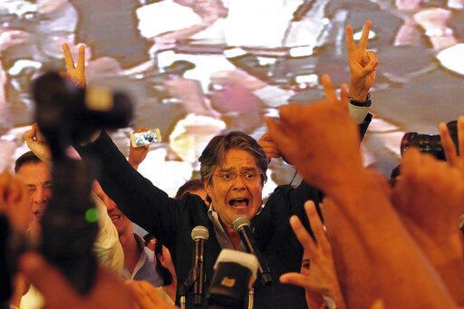 Oficialista Moreno se proclama ganador del balotaje en Ecuador, aunque o...