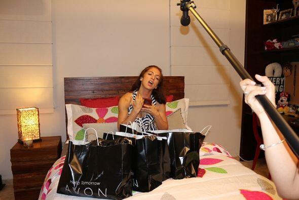 Captamos en cámara todas las monerías de la KQ Fan de Avon.