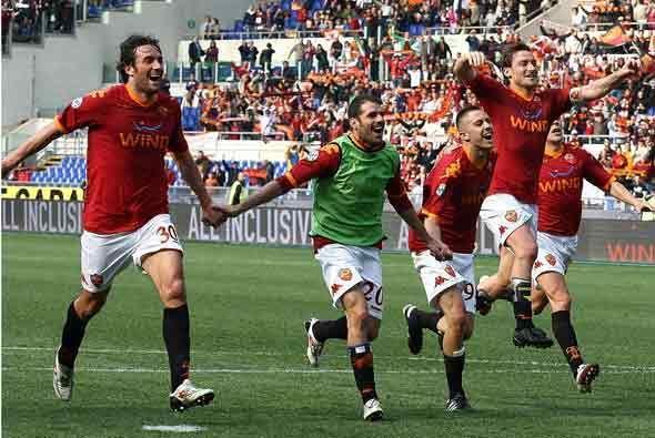 Al final, el resultado de 2-1 le dio el triunfo al club 'giallorossi'.