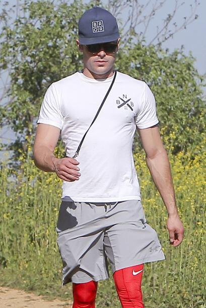 Cada vez que puede, Sami se va a correr con él y Zac practica montañismo...