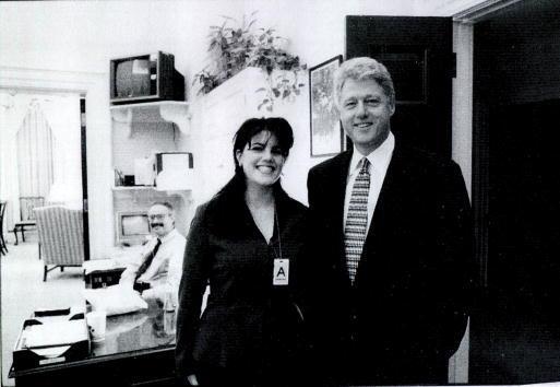 La relación extramarital de Clinton lo llevó a un juicio p...