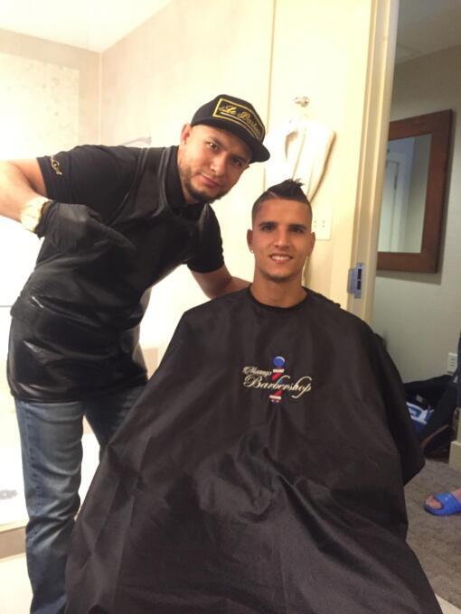 El barbero de la selección de México con Argentina