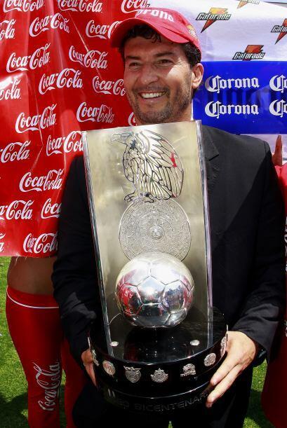 Para el Torneo Bicentenario 2010 volvió a obtener el título con el cuadr...