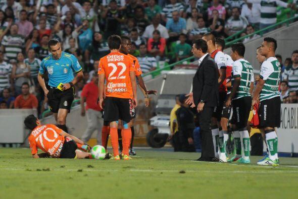 En ese mismo partido sale expulsado tras reclamarle a Marco Rodríguez po...