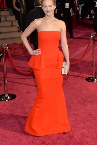 Jennifer Lawrence lució exquisita en ese vestido. ¿A poco no se le vio t...