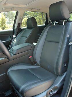 Los asientos son bastante cómodos, se nota que se hicieron pensando en v...