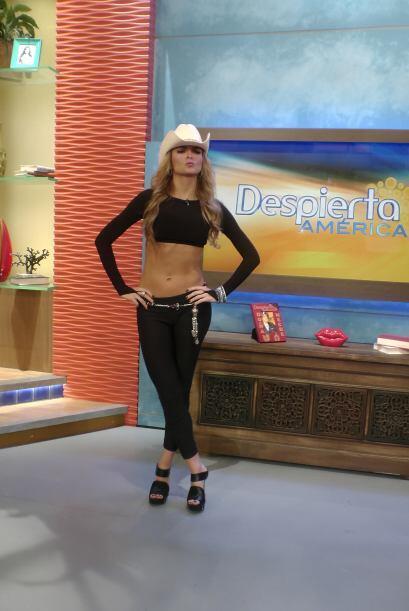 La guapa actriz venezolana estuvo de estrella invitada en nuestra casa.