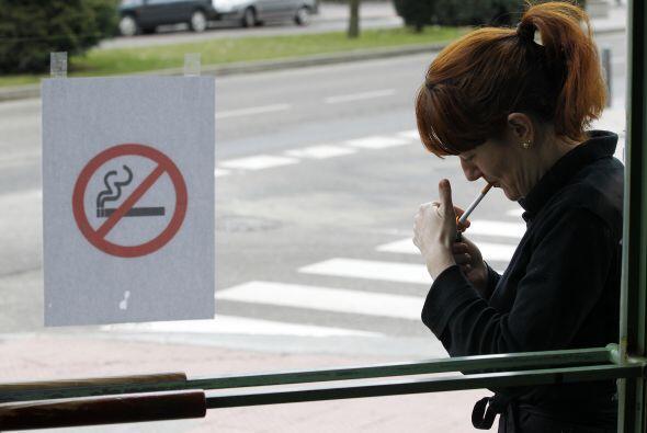 Millones de personas aún fuman en Estados Unidos aunque el número de fum...