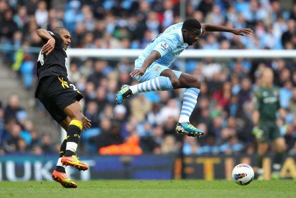 Manchester City se mantiene en la cima de la tabla luego de ganarle, sin...