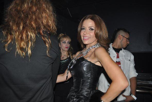 Tras bastidores tuvimos un momento paparazzi con Gloria Trevi ¡gra...