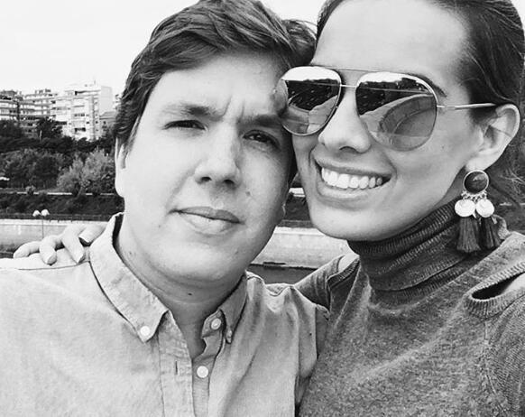 Andrea Chediak y su novio