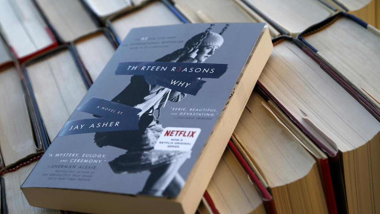 La historia gira en torno a una estudiante de secundaria que dejó 13 gra...