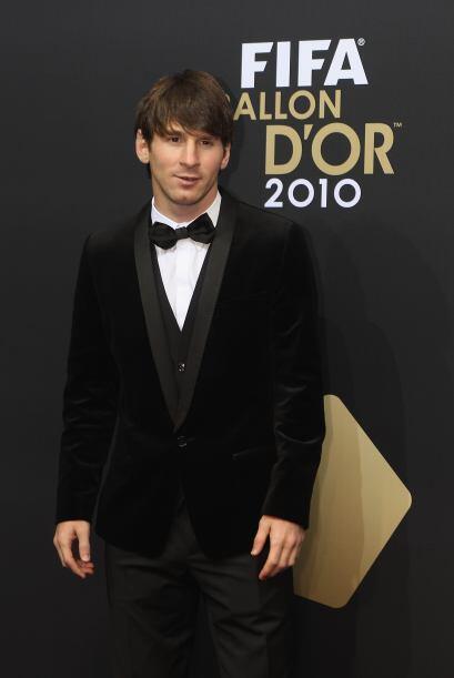 Minutos después, Messi se cambió y ya estaba vestido de gala.