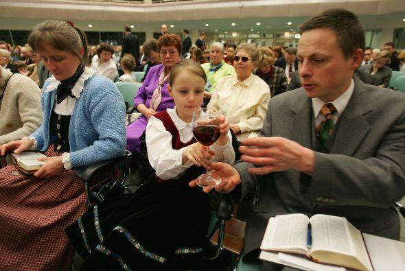 Los testigos de Jehová tienen sus servicios religiosos en los 'Sa...