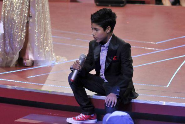 Los dos cantantes finalistas tuvieron que enfrentarse  antes de saber qu...