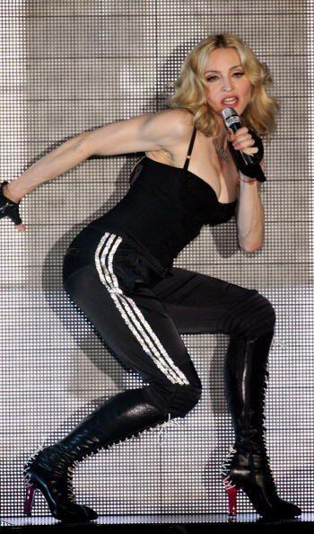 Madonna disfruta del baile y un poco de cardio para trabajar sus  pierna...