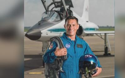 Hijo de salvadoreños está entre los 12 nuevos astronautas elegidos por l...