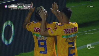 ¡Goool llegó el 3-0 de Tigres! Edu Vargas definió cruzado y ya es goleada