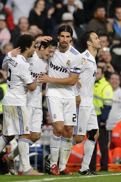 Özil consiguió un tanto que le da grandes opciones al Madrid de alcanzar...