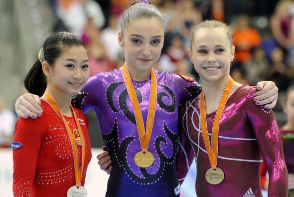 En el All-Around individual las medallistas fueron; oro para la rusa Ali...