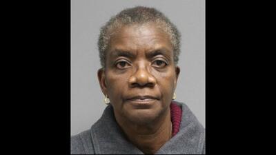 Acusan a directora de preescolar por amenazar a niños de 4 años con un cuchillo