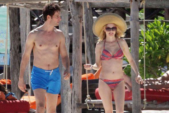 Después Heather y su pareja decidieron caminar por las bellas playas.