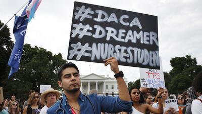 """Image result for La Casa Blanca dice que Trump enviará el lunes un plan de inmigración al Congreso, incluyendo una """"solución"""" para los dreamers"""