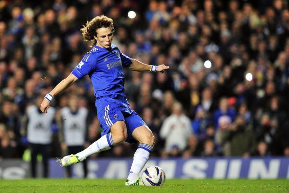 Pero al 31' el brasileño David Luiz cobró perfectamente un...