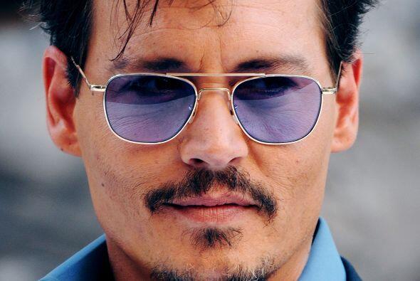 20- Johnny Depp.  Se convirtió en un bebedor consumado sencillamente al...