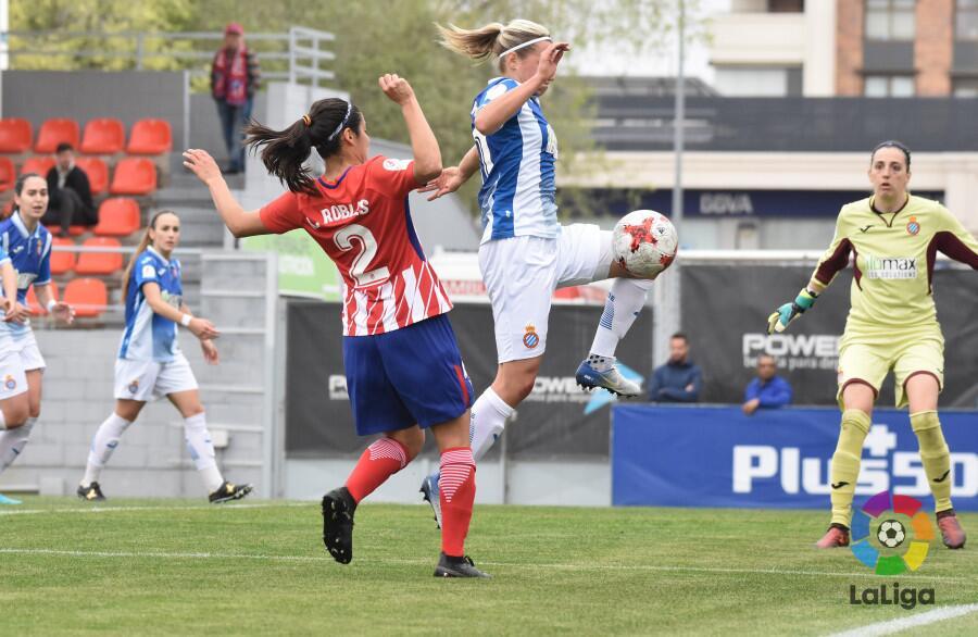 Kenti Robles: la defensora del Atlético de Madrid se reportó con una asi...