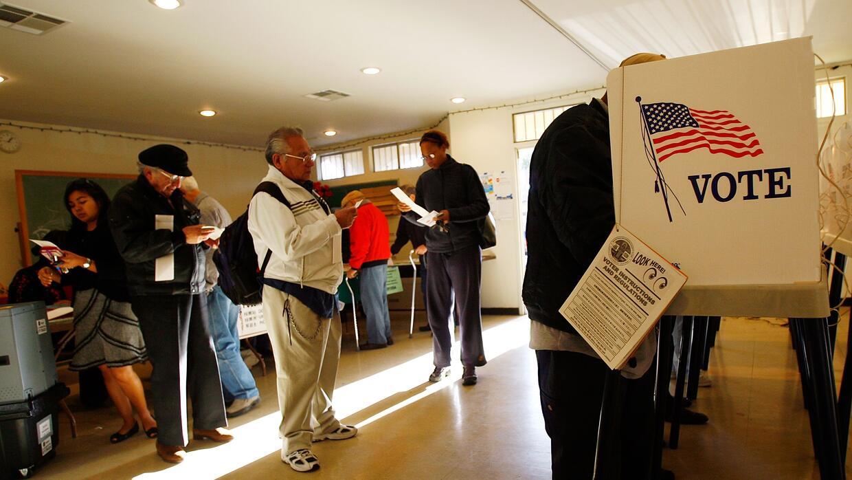 Votantes latinos en Los Angeles, California.
