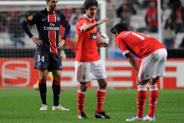 El Benfica pasó algunos apuros pero cumplió en su casa ante el París Sai...